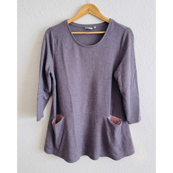 LOGO knit top(two for $10 deal)